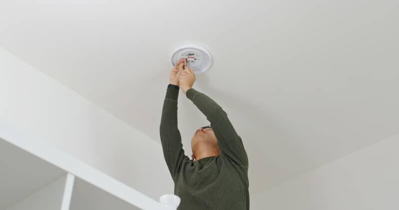 Comment installer des spots sans faux plafond ?
