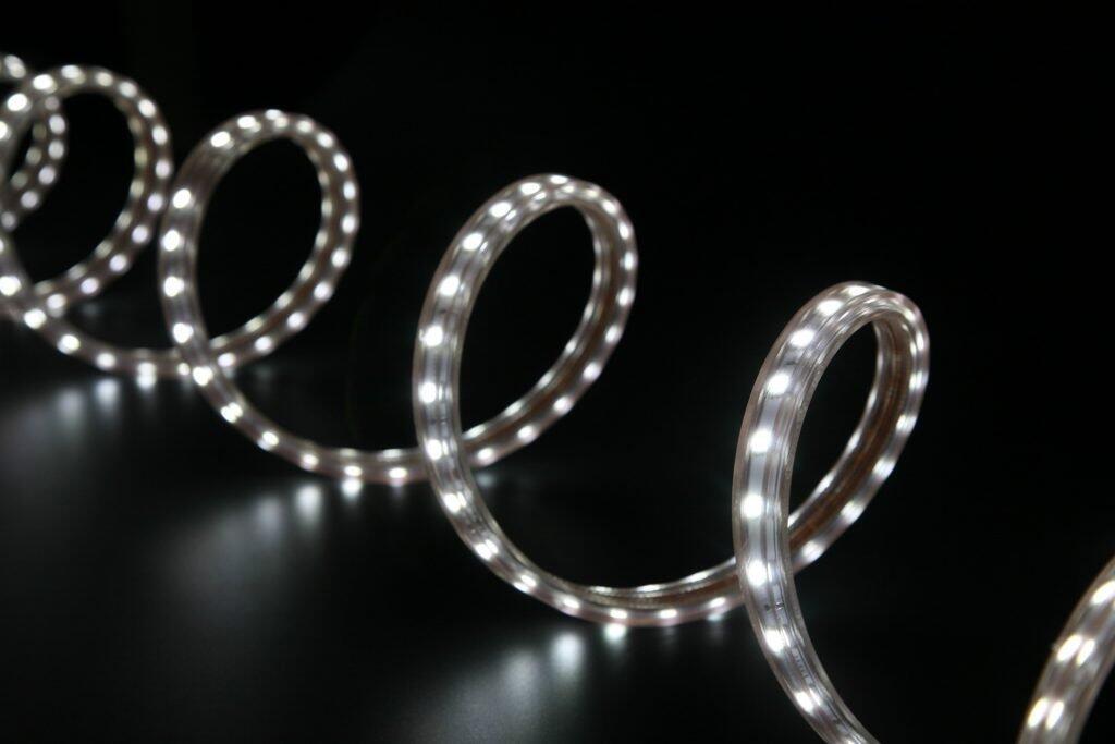 Comment installer un ruban LED extérieur ?