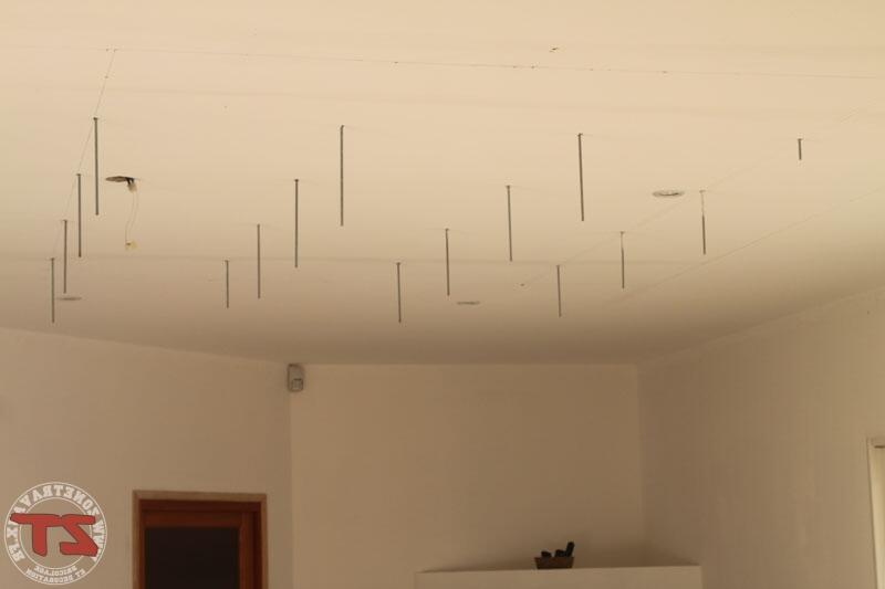 Comment mettre plusieurs spots au plafond ?